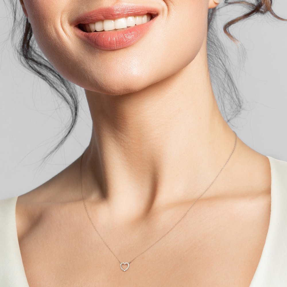 Lantisor din aur 18K cu pandantiv inima cu diamante 0,08 ct., model Orsini 0466CI