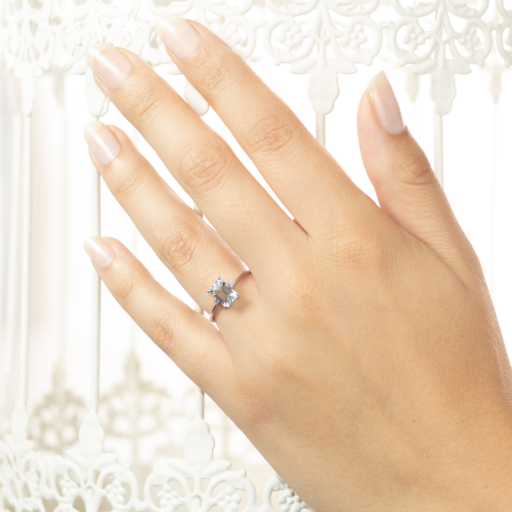 Inel de logodna din aur 18K cu acvamarin 0,98 ct. si diamante 0,02 ct., model Orsini 2755G-5X7
